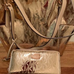 Micheal Kors Tote And Wallet 🌹